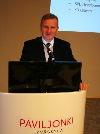 Dr Christoph Lees