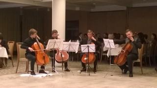 Iltajuhlassa esiintynyt Sellokvartetti